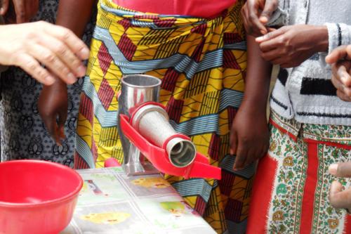 preparazione della salsa di pomodoro